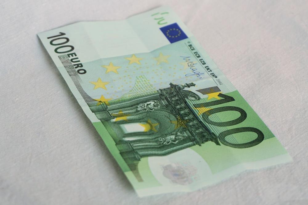 100 euro cura italia
