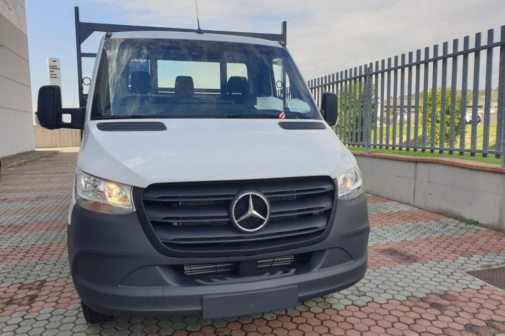 Allestimento autocarro Mercedes Benz Sprinter gamma 35q.li