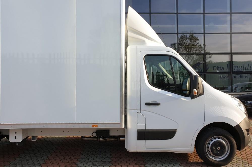 Allestimento autocarro Renault Master gamma 35 q.li