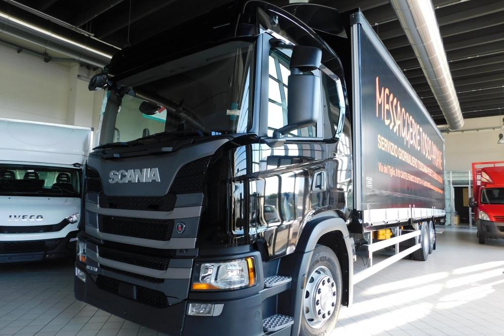 allestimento camion scania
