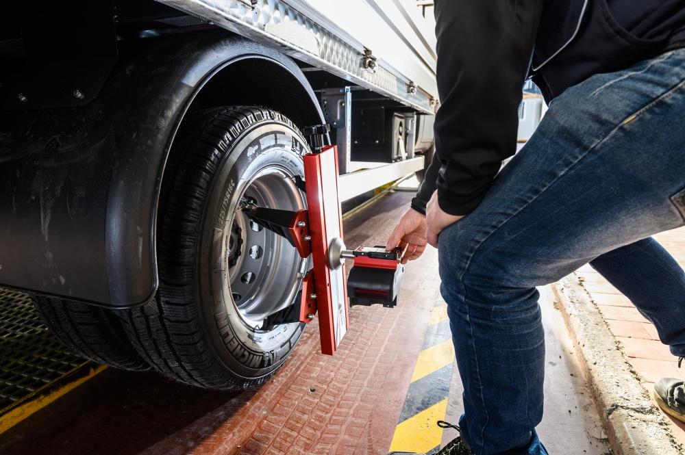 allineamento ruote camion