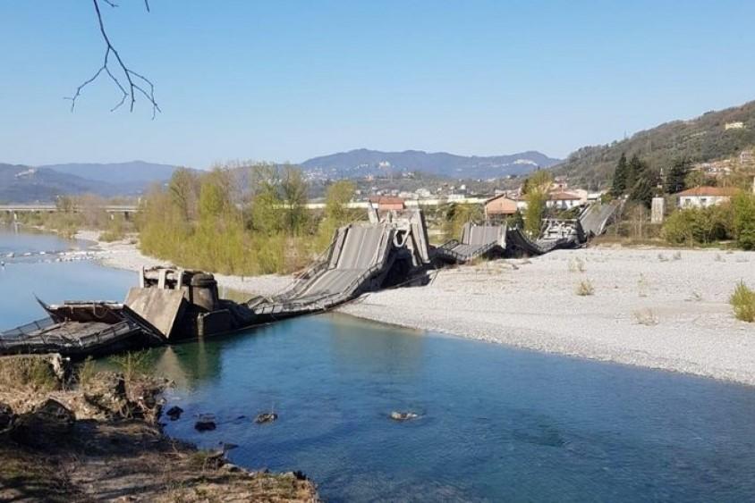 crollo ponte magra