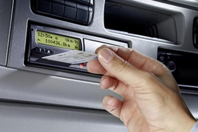 estrazione carta tachigrafo digitale