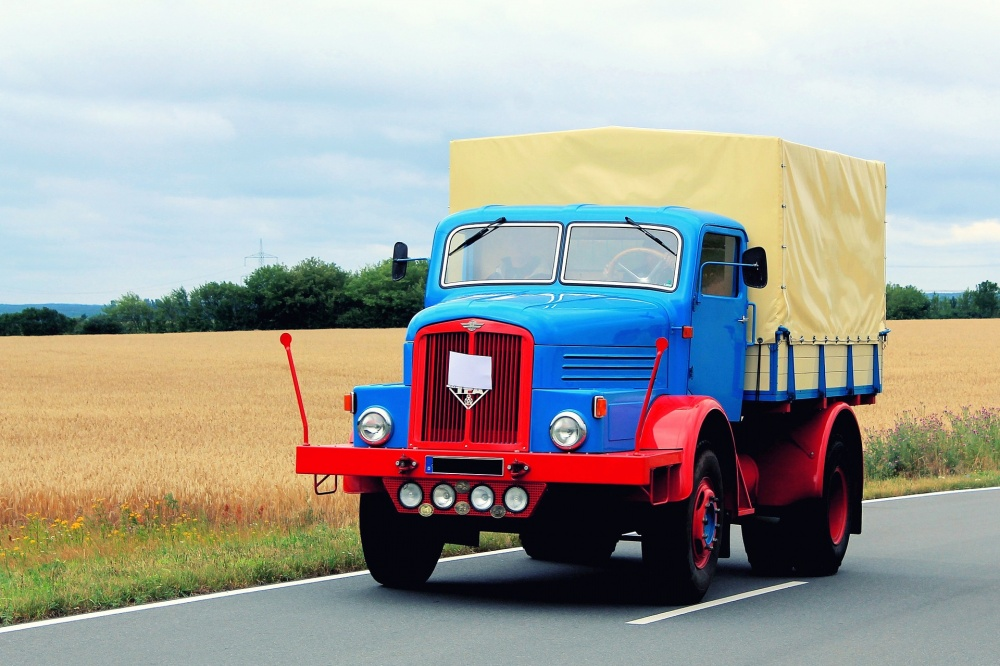 vecchi camion